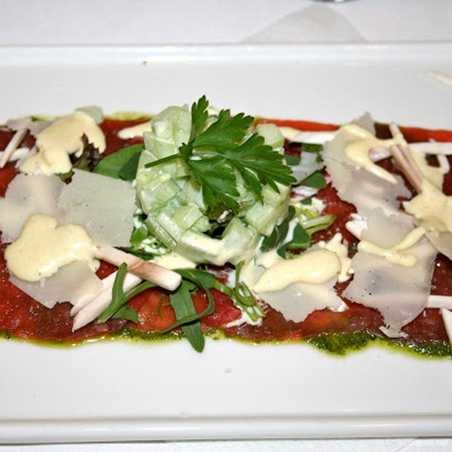 Rundercarpaccio met pestomarinade