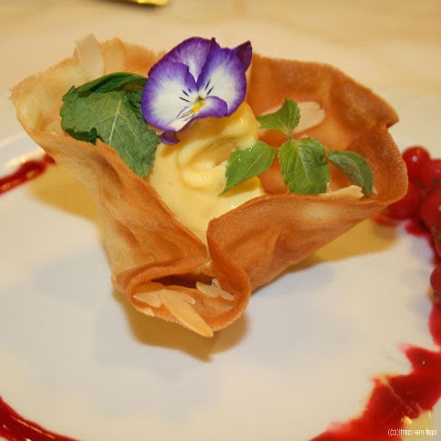 Tulpen met sorbet van passievrucht