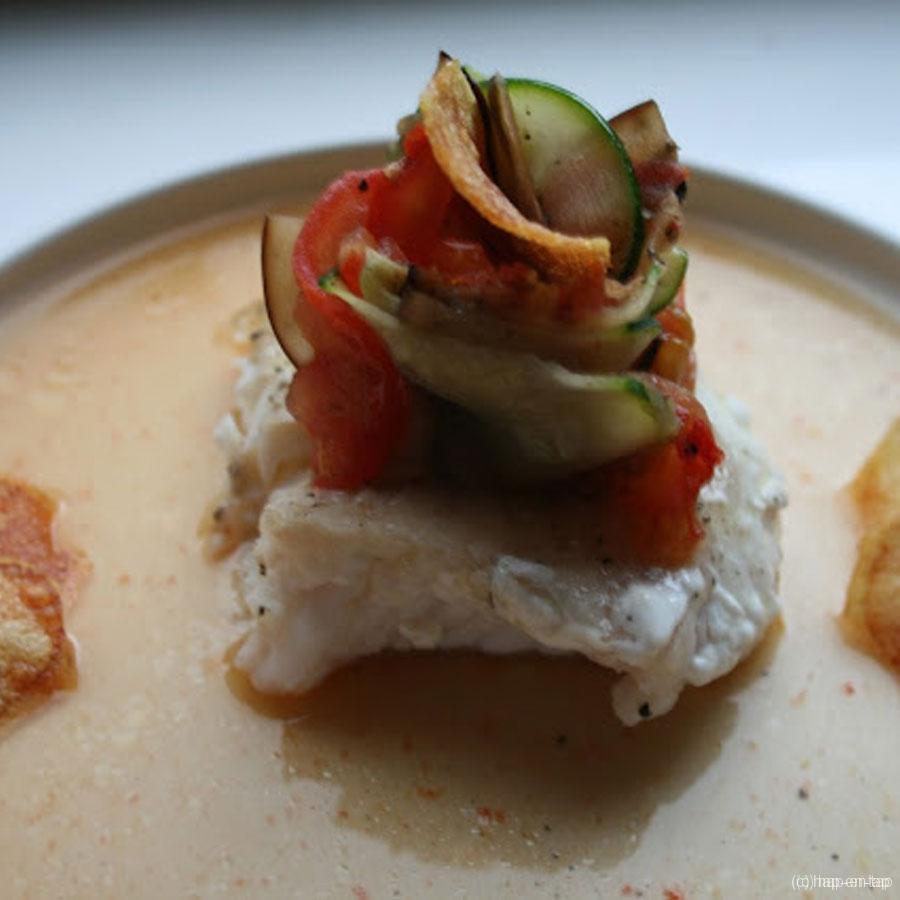 Gebakken schelvishaasje met Provençaals bloempje en tomatenwater