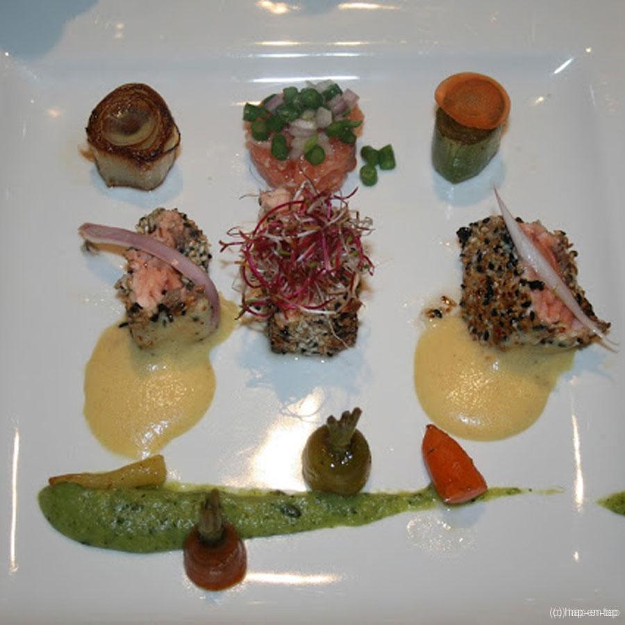 Zalm in sesamkorst, fondant van prei en wortel, kaviaar van courgette