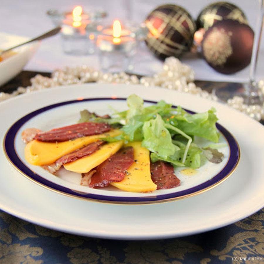 Gerookte eendenfilet met mango, sinaasappelsausje