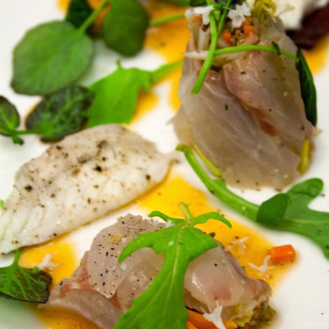 Zeebaars, marinade van groentjes, tomatenazijnjus