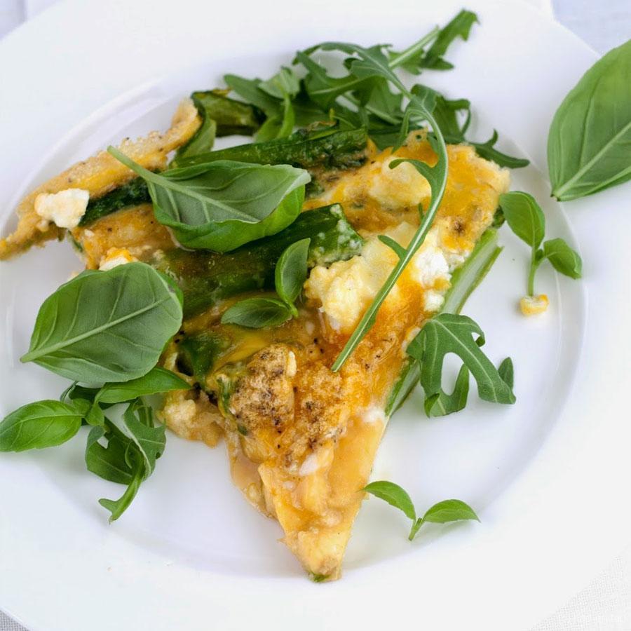 Frittata met groene asperges, verse kaas en basilicum – Knack Weekend #6