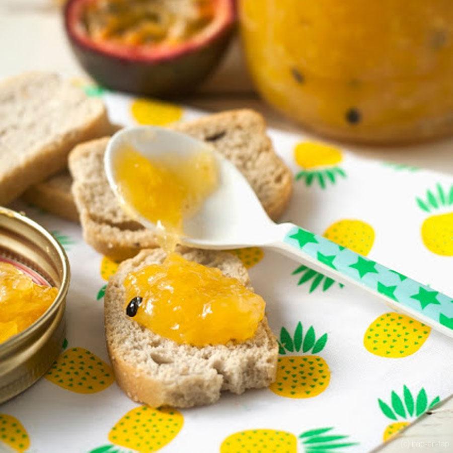 Confiture tropicale met ananas, mango en passievruchten