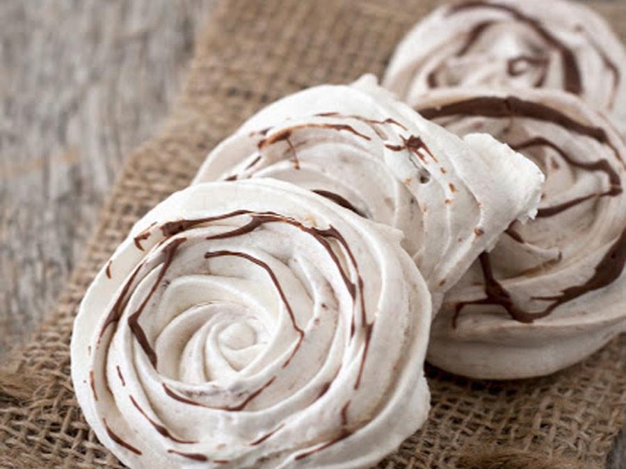Meringues met Nutella of aardbeien
