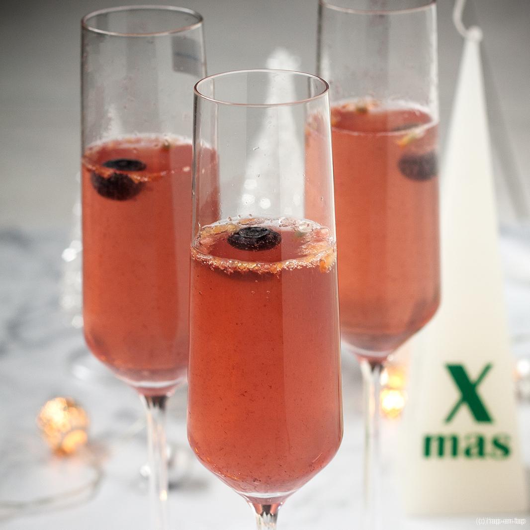 Champagnecocktail met passievrucht
