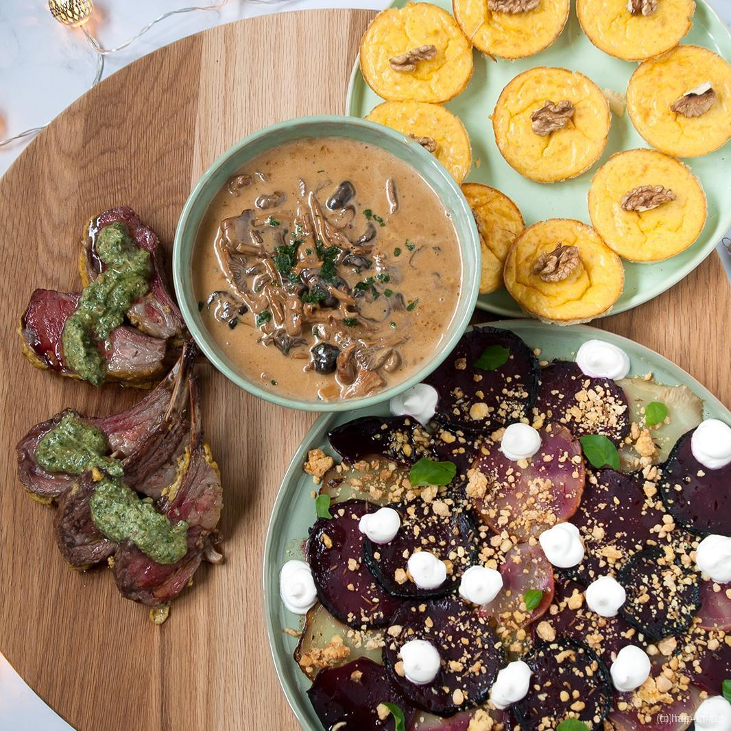 Lamskroon met muntpesto, gepofte bietjes, flan van asperge, wilde champignonroomsaus