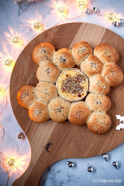 Gegrilde camembert met broodbolletjes