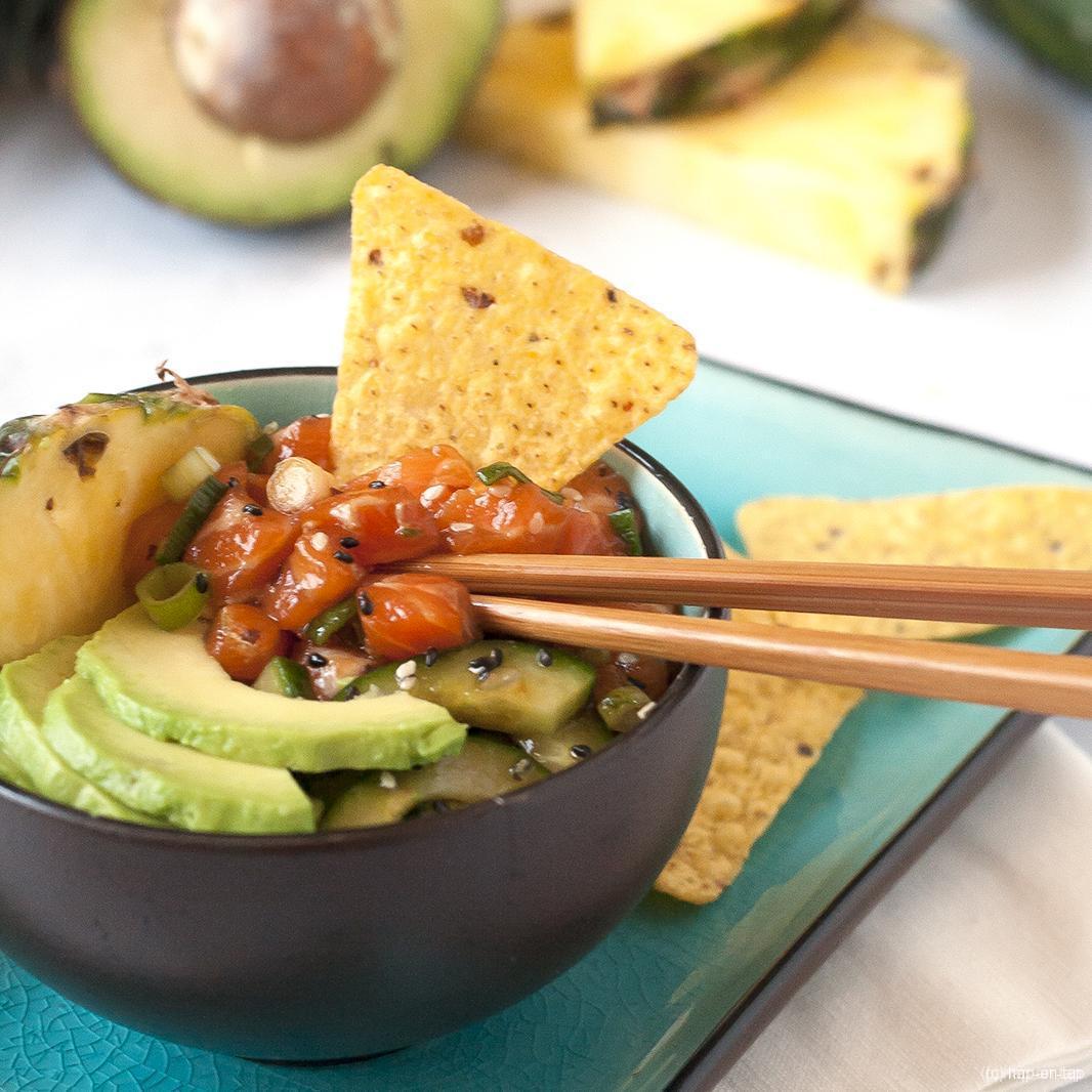 Ahi Poke met ananas en avocado