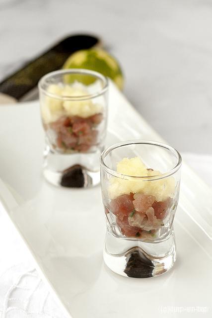 Tartaar van tonijn met granité van limoen en appel