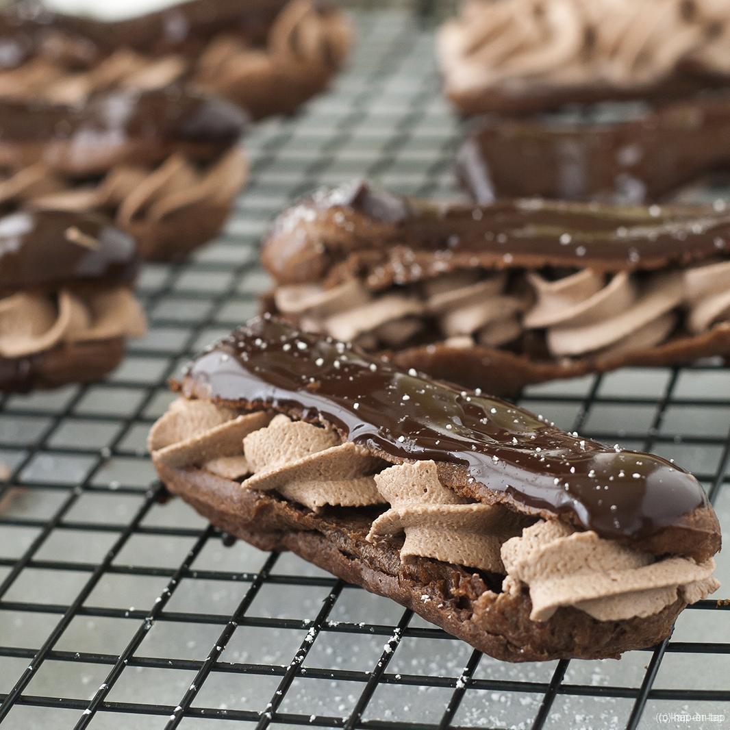 Drievoudige chocolade eclairs