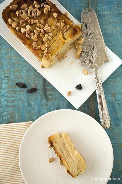 Onzichtbare taart met perziken en tonkaboon