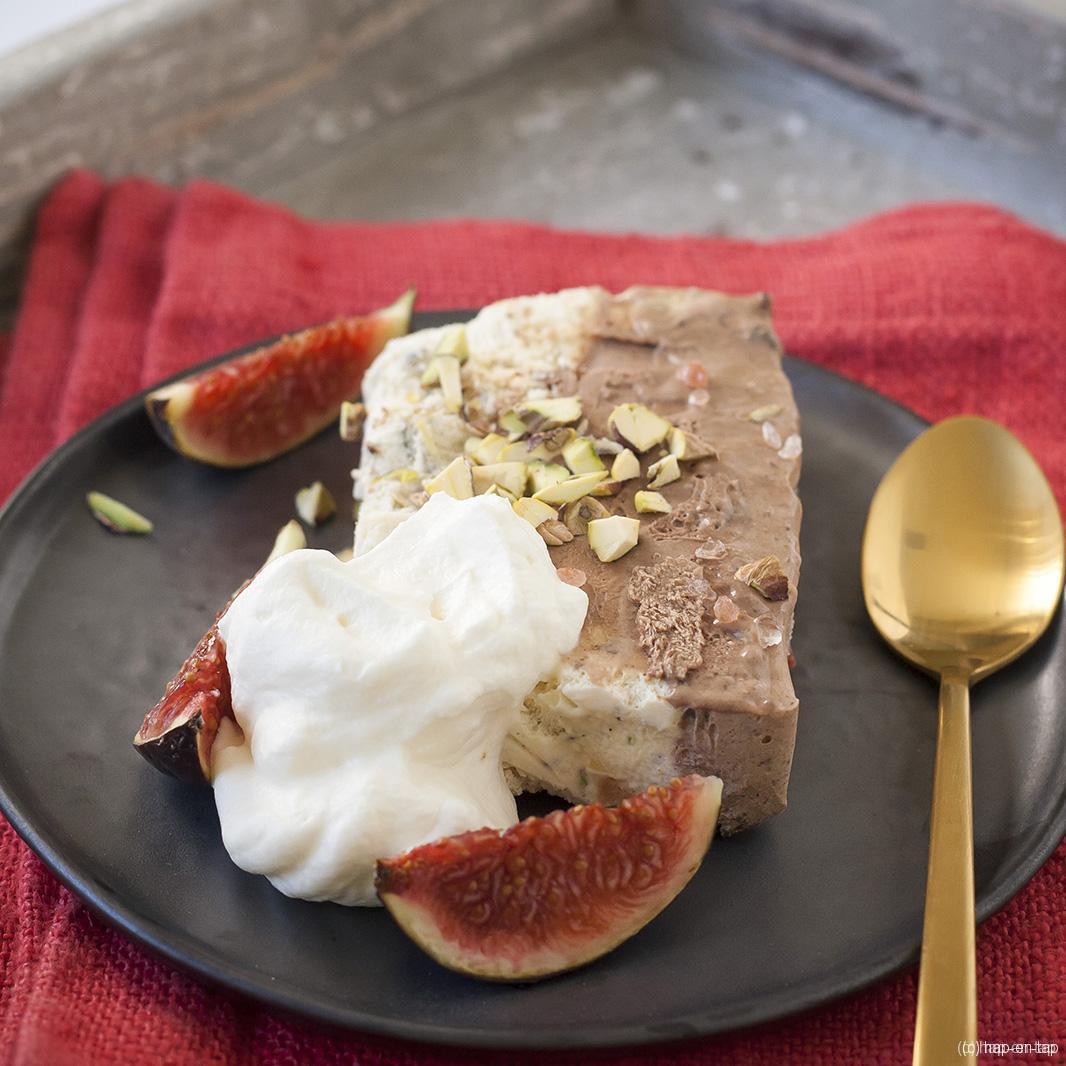 Semifreddo met pistache, vanille en chocolade