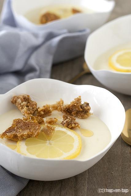 Citroenmousse met honeycomb