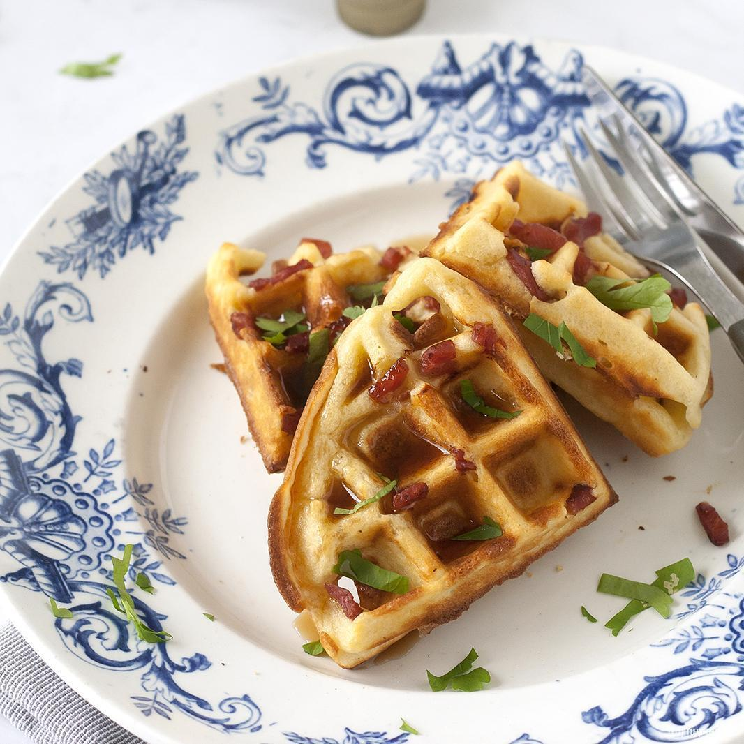 Ontbijtwafels met kalkoenspek en maple syrup