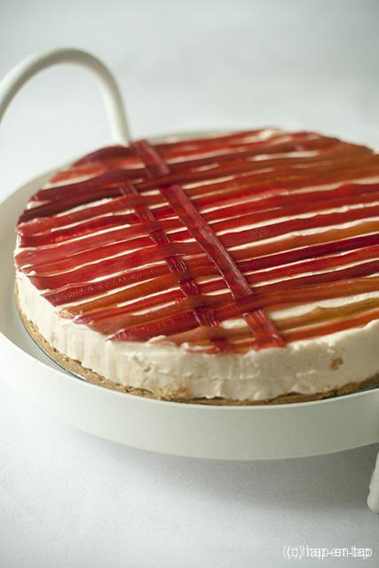 No-bake cheesecake met rabarber