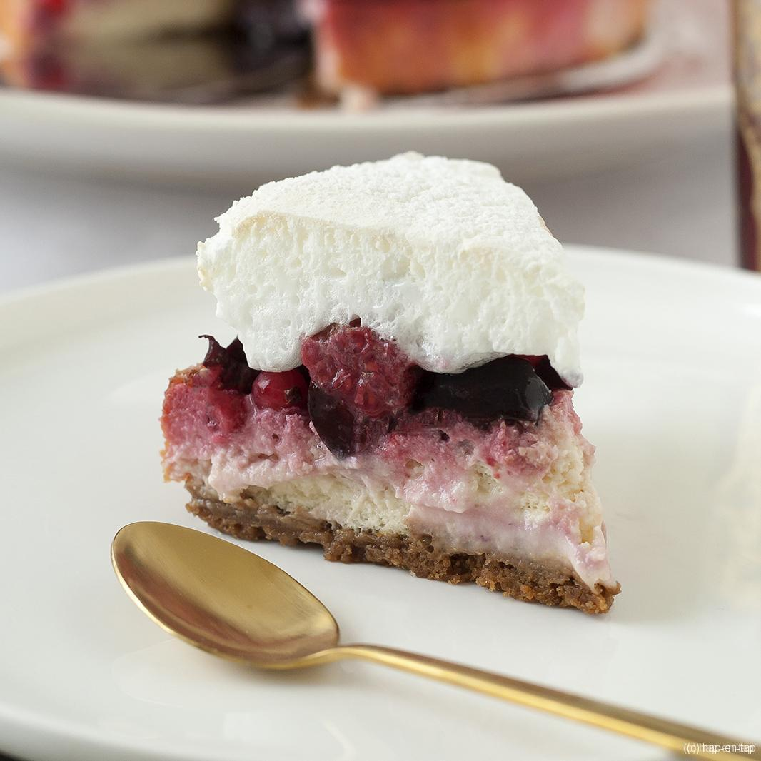 Cheesecake met rood fruit en meringue