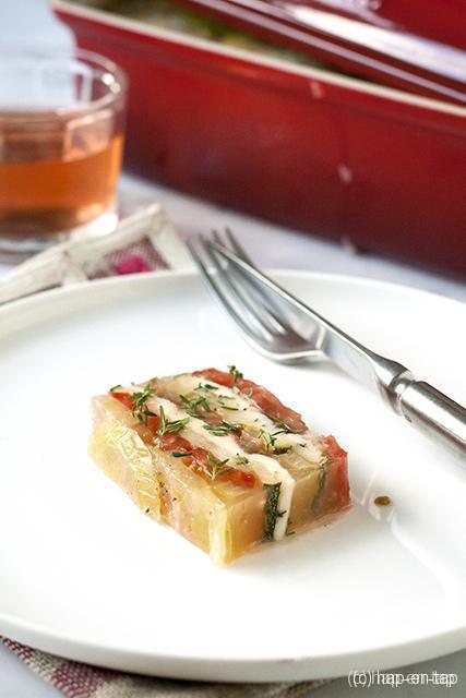 Terrine van tomaten, courgette en mozzarella