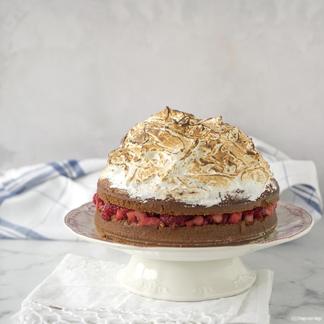 Limoncello meringue cake