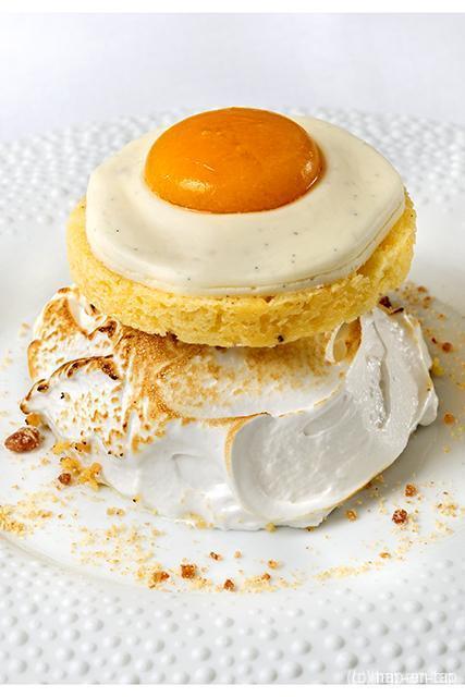 Desserts maken met Parmaham? Roger Van Damme kan dat!