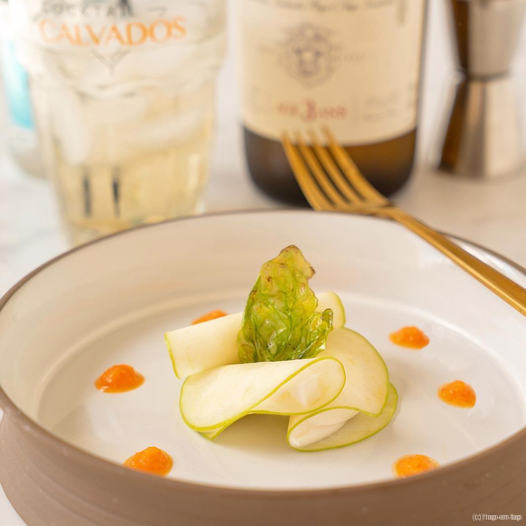 Ravioli van Granny Smith met geitensmeerkaas, Calvados Tonic
