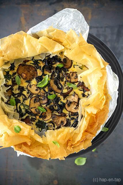Hartige filotaart met champignons en spinazie
