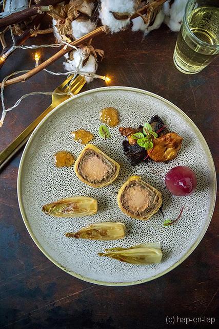 Foie Wellington, gekaramelliseerd witlof, stoofpeertje