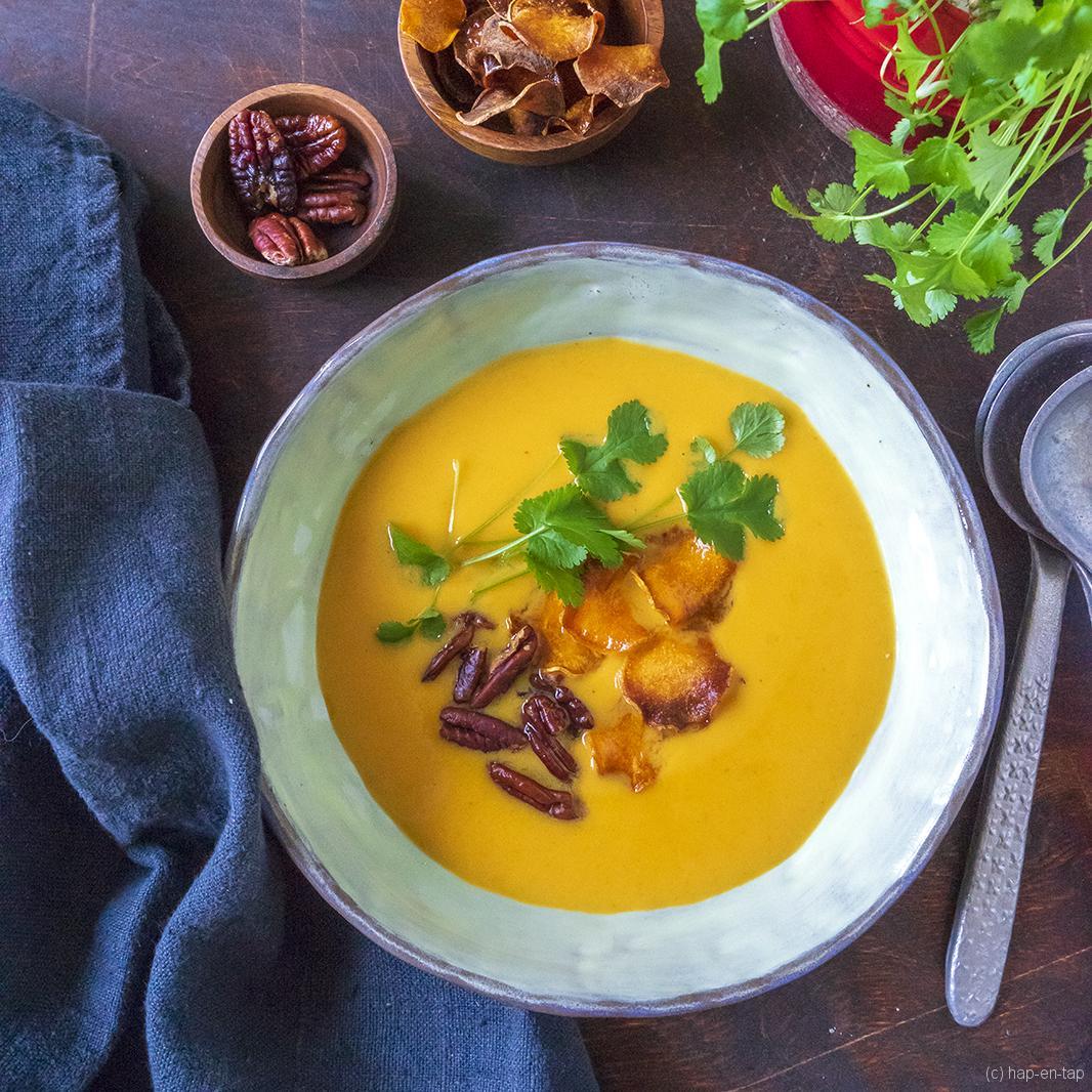 Romige Thaise wortel zoete aardappel soep