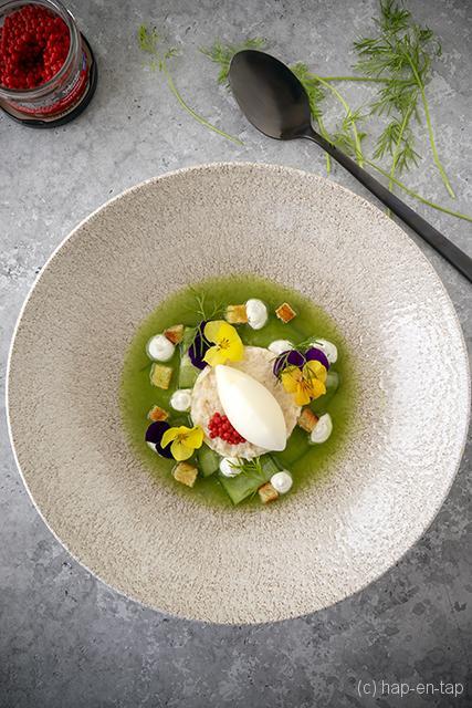 Fris komkommersoepje met krabsalade en yoghurtijs