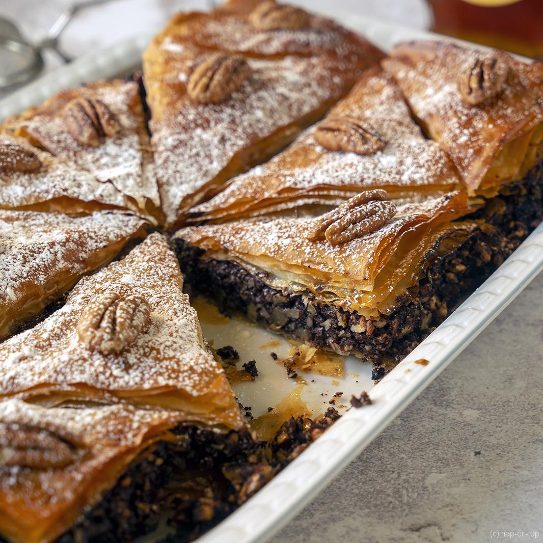 Baklava met chocolade en pecannoten