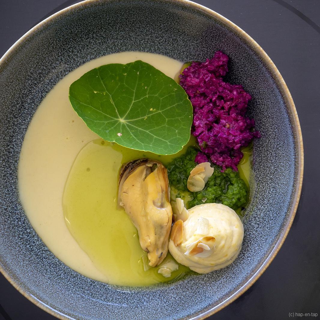 Mousse van miso met mosselen