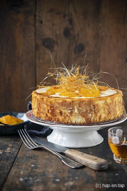 Cheesecake met gekaramelliseerde sinaasappel en gesponnen suiker