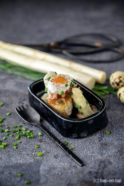 Krielaardappel, witte asperge, garnalen en kwartelei
