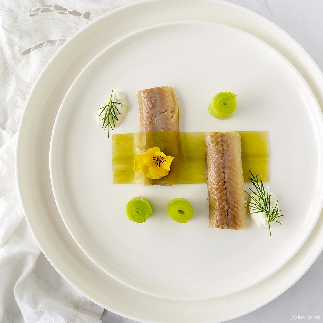 Gerookte Oosterschelde paling, hangop en komkommergelei