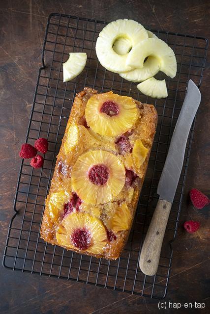 Ananas-frambozen upside-down cake