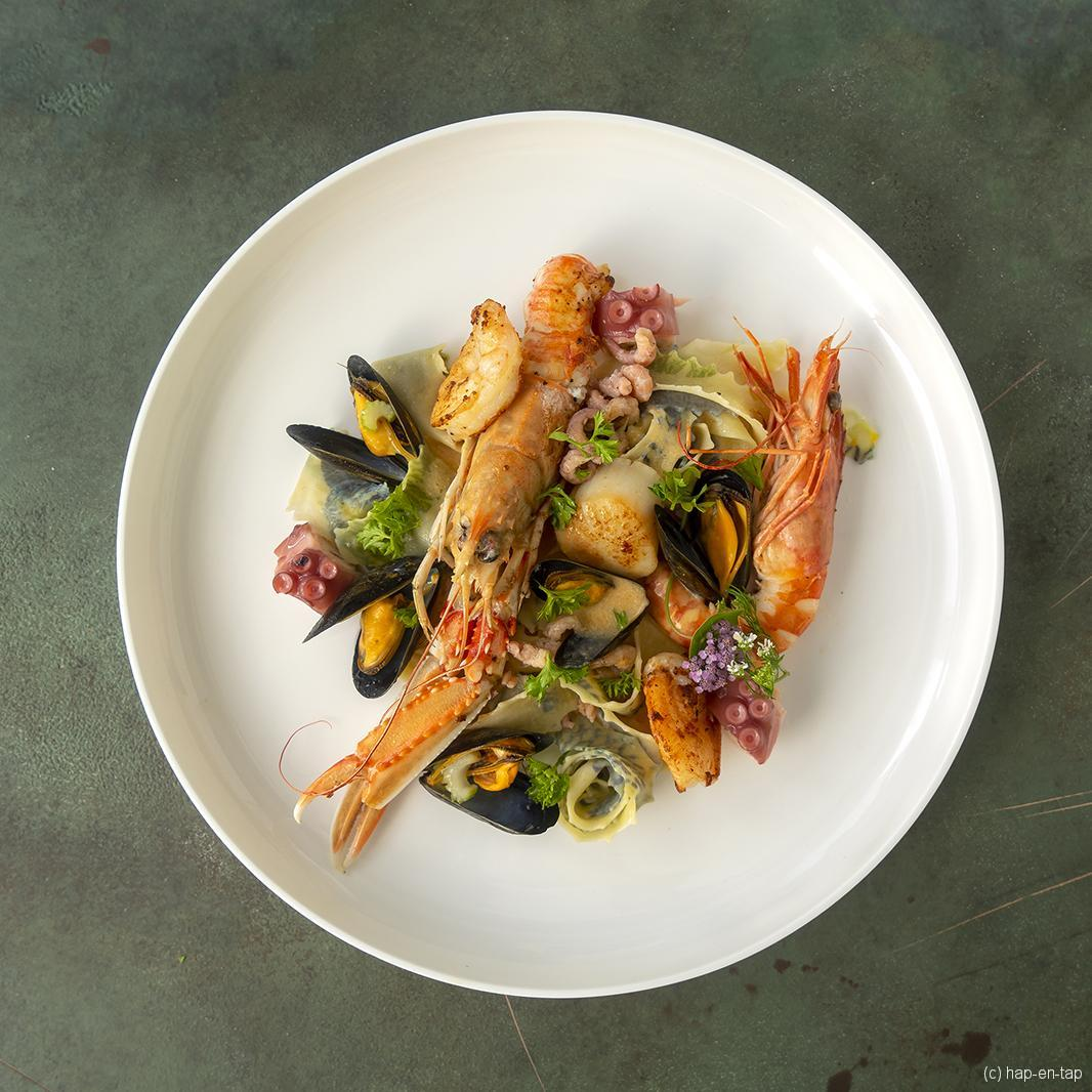 Pasta frutti di mare met langoustines, gamba's,…