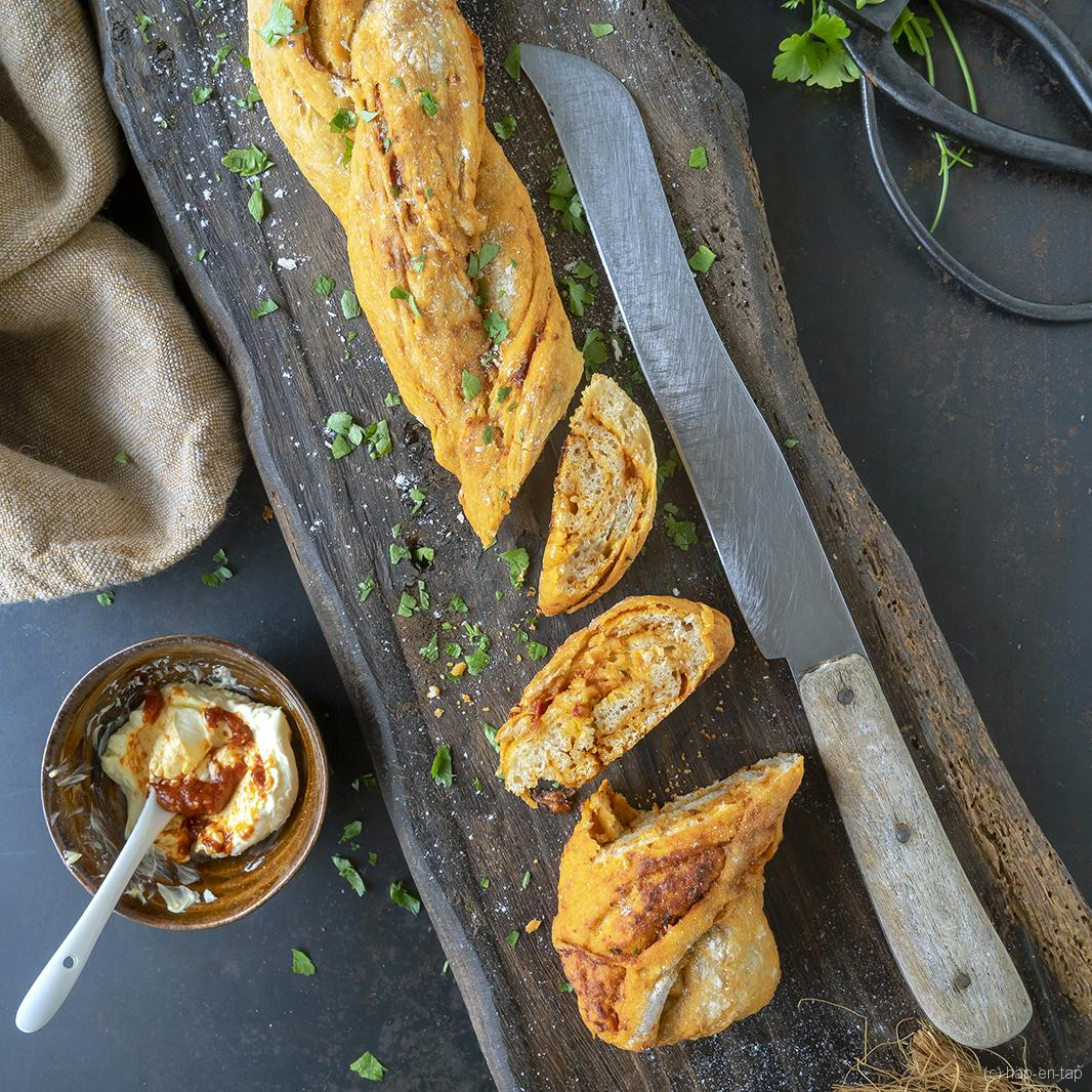 Rustieke Marokkaanse broodvlecht met specerijen