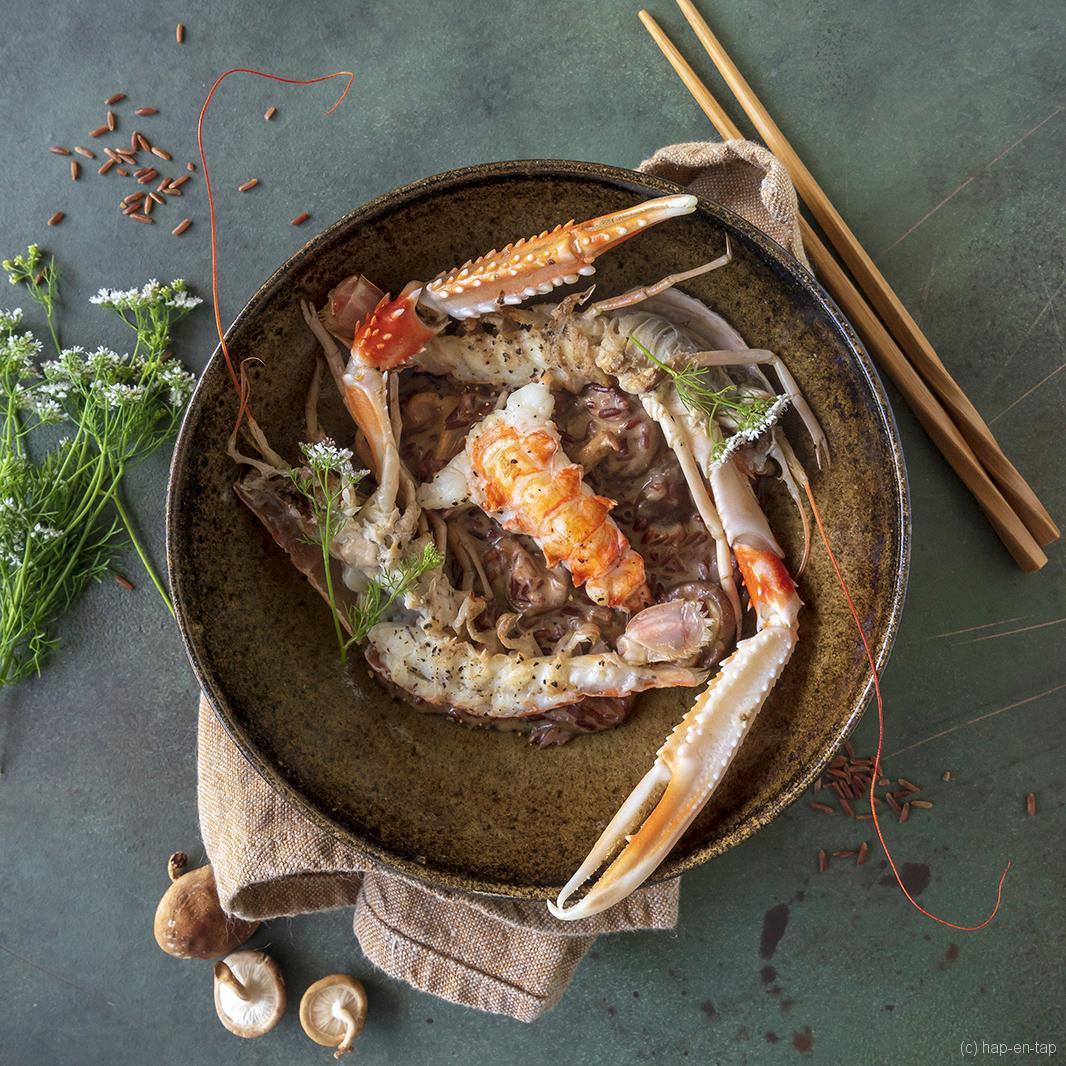 Risotto van rode rijst met champignons, langoustines, kokos en curry