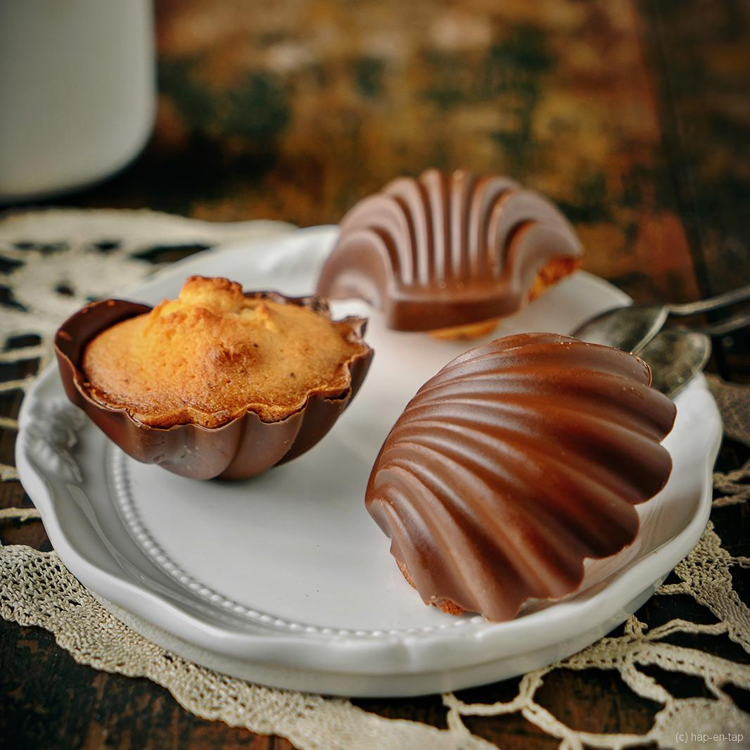 Citroenmadeleines met praliné hart en melkchocolade
