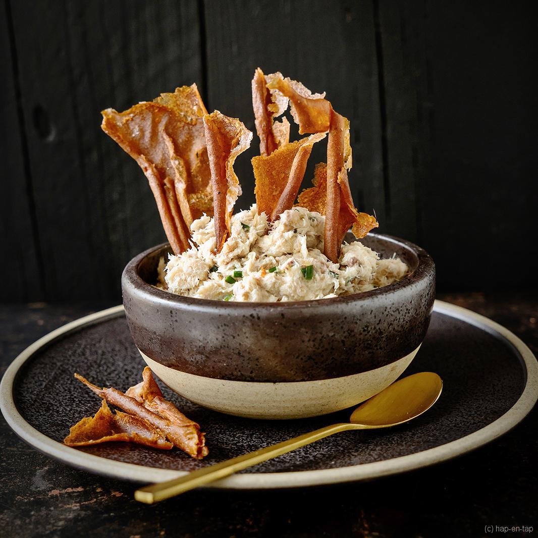 Bouillabaisse crackers met gerookte makreeldip