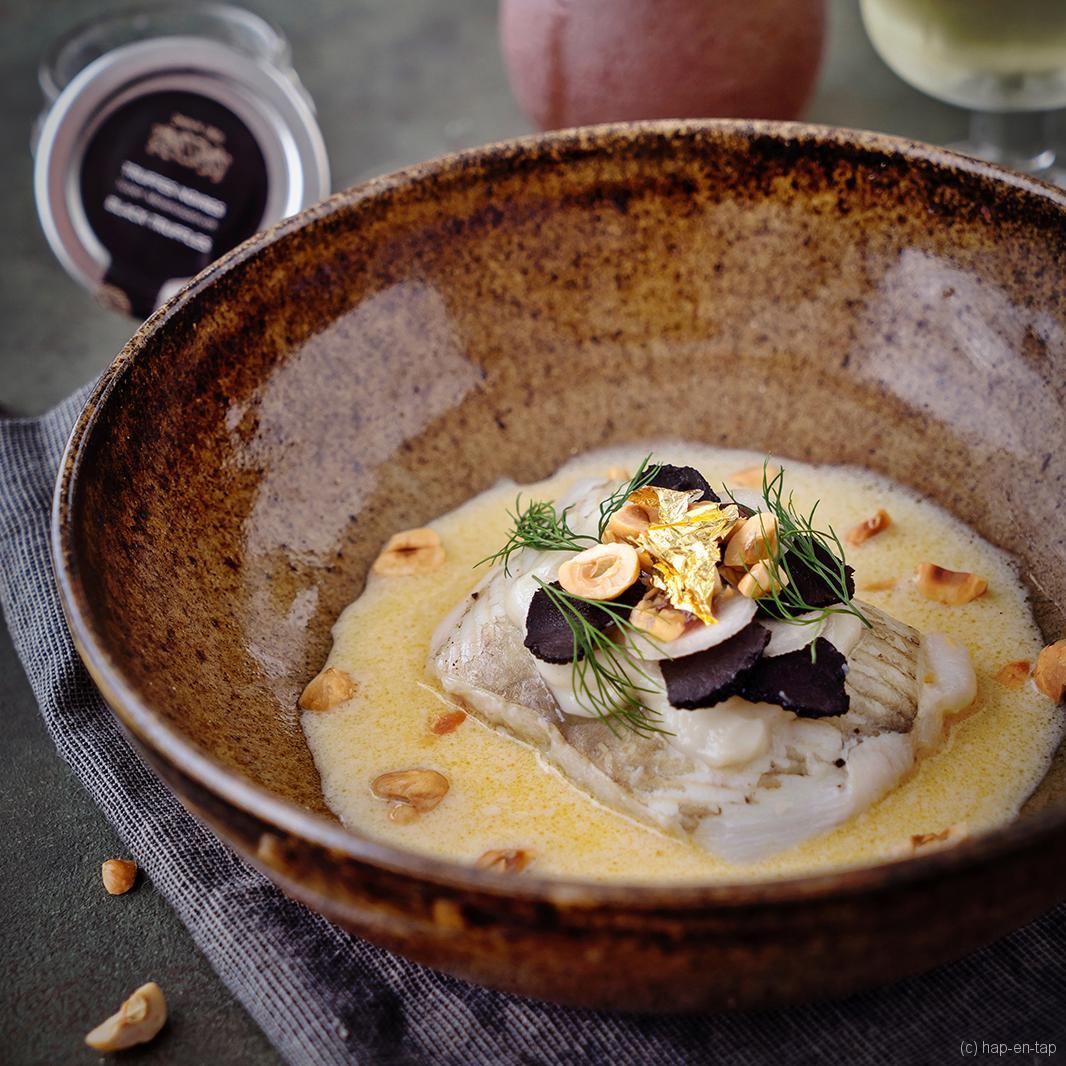 Pladijsfilet met aardpeer, truffel en hazelnoot