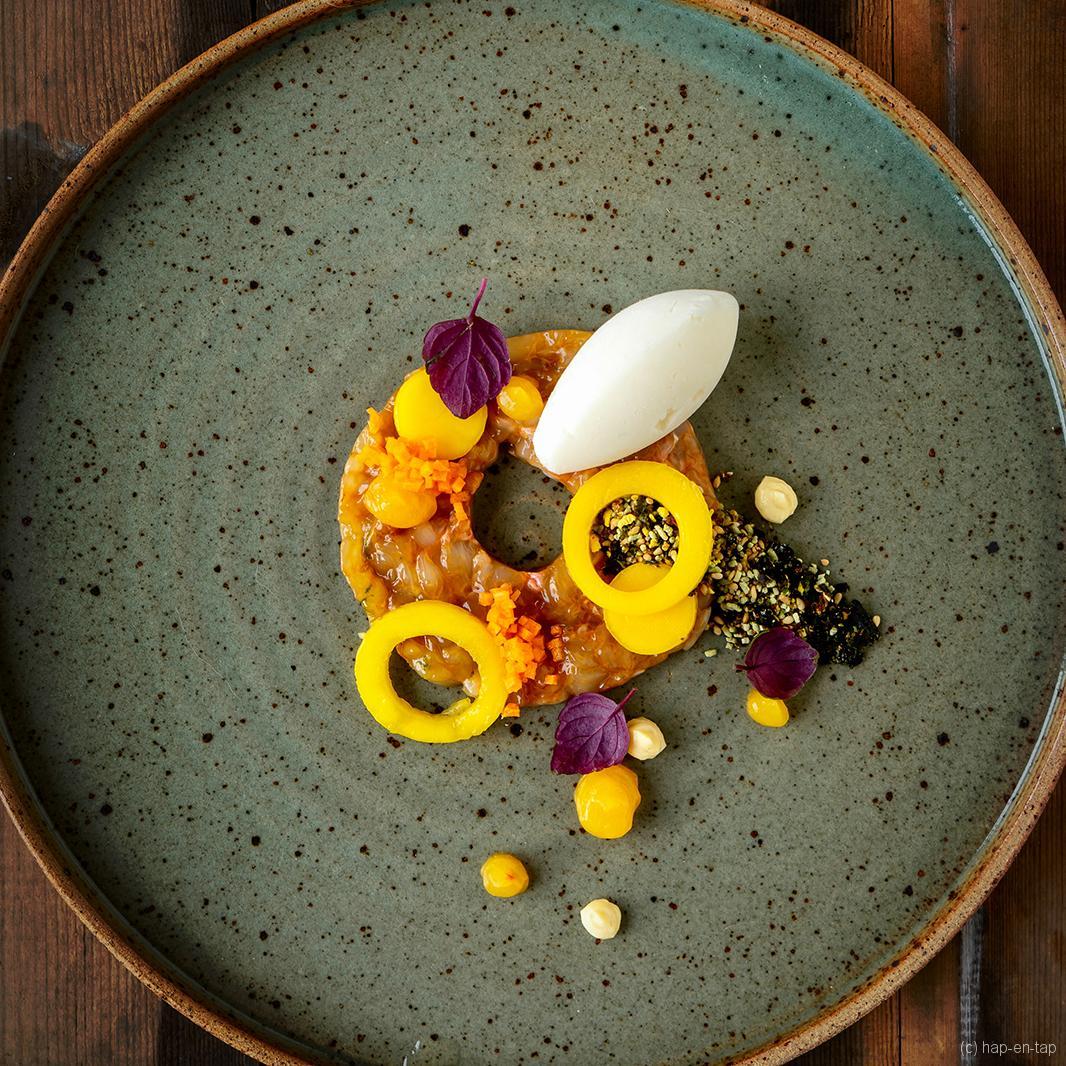 Langoustinetartaar met Oosterse dressing, jasmijnrijst sorbet en mango