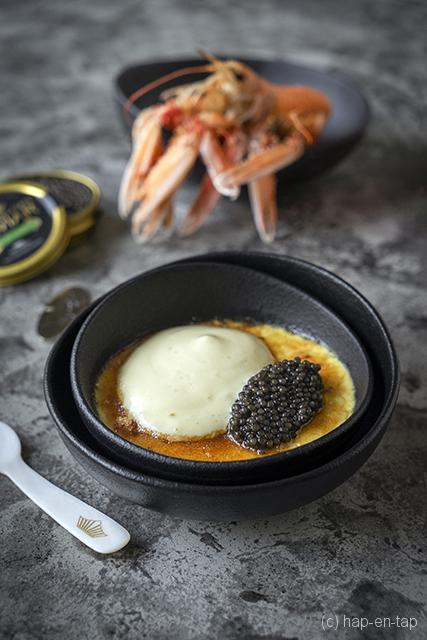 Crème brûlée van langoustines, olijvenschuim en kaviaar