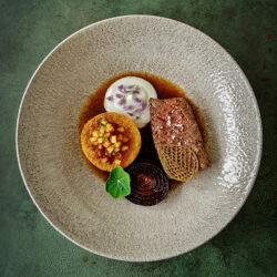 tournedos, geroosterde butternut, kaascrème en uienjus